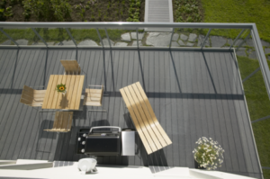 terasa-eko-protismykovy-povrch-recyklovany-material-Delfino